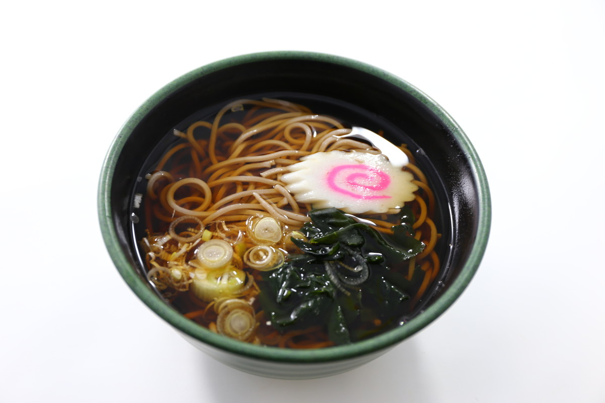 Soba noodles in broth